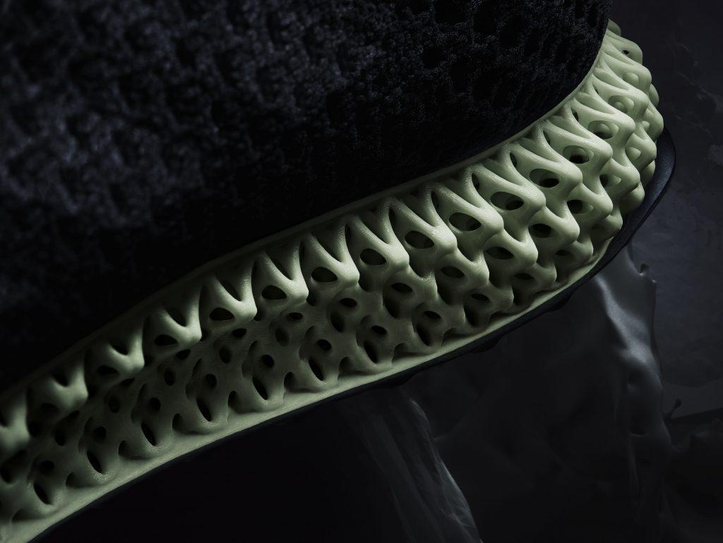 Neuer adidas Futurecraft 4D hergestellt durch Licht und