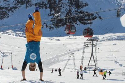 Schneebeben zeigt die Wintersportmöglichkeiten
