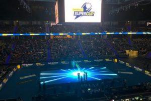 LED-Videoboden aus Glas beeindruckt beim Volleyball Supercup