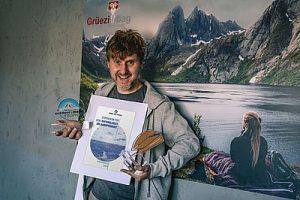 marken-award-outdoor-trophy-und-sonne-und-strand-Markus Wiesböck_PM_Juli 2020_Grüezi bag (002)