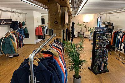 CRAGHOPPERS_Showroom (002)