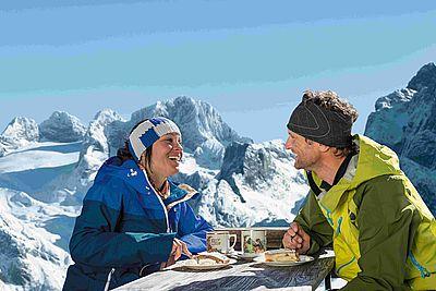 einkehrschwung_in_urige_huetten_skiregion_dachstein-west