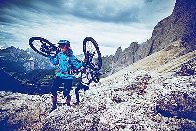 Bike_Attack_Sideshot_1_Kampagne_Ale-Di-Lullo