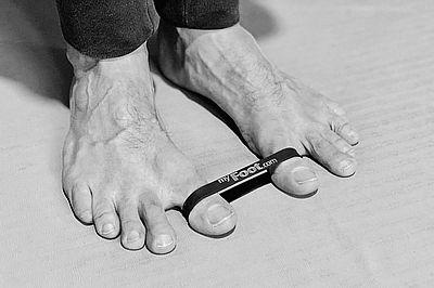 myfoot-toeband (002)